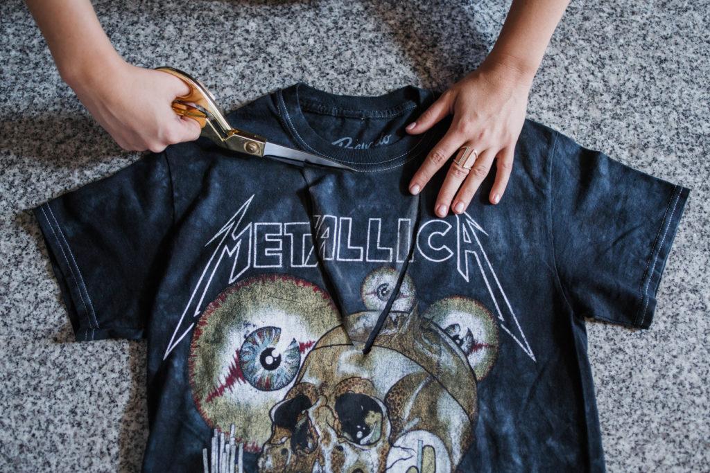 DIY Choker Cutout T-Shirt Metallica Band Shirt