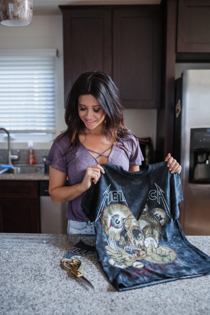 DIY Choker Cutout T-Shirt Metallica Band Shirt Erin Aschow