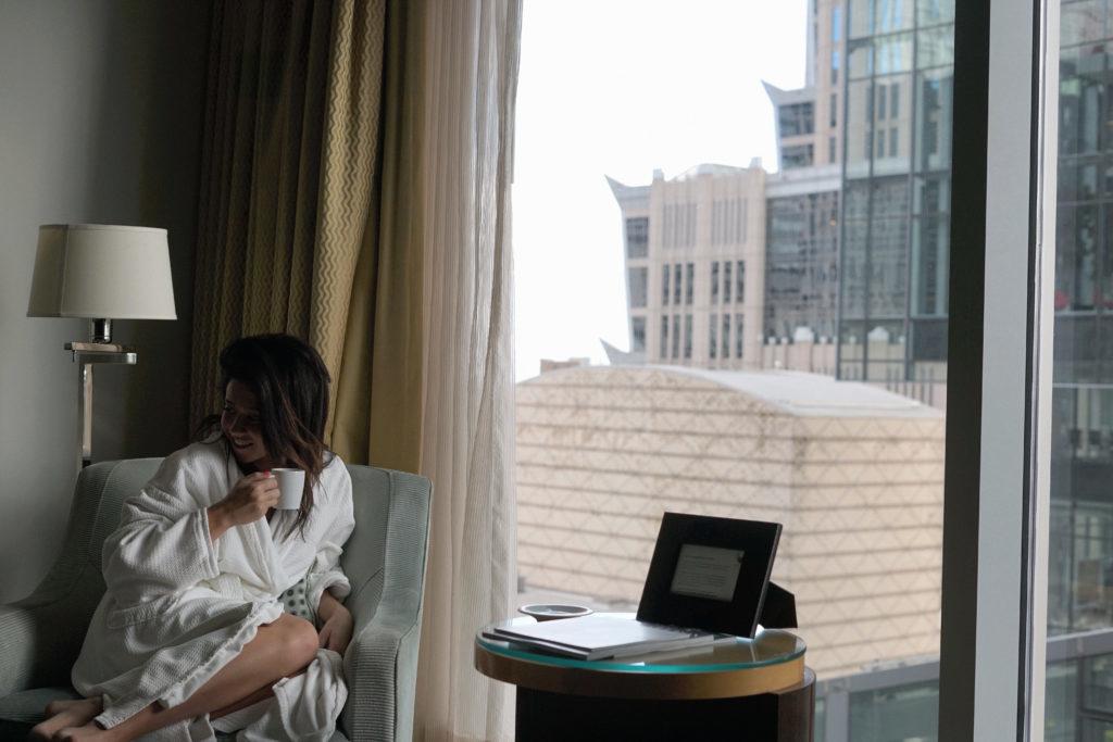 Erin Aschow Travel Blogger
