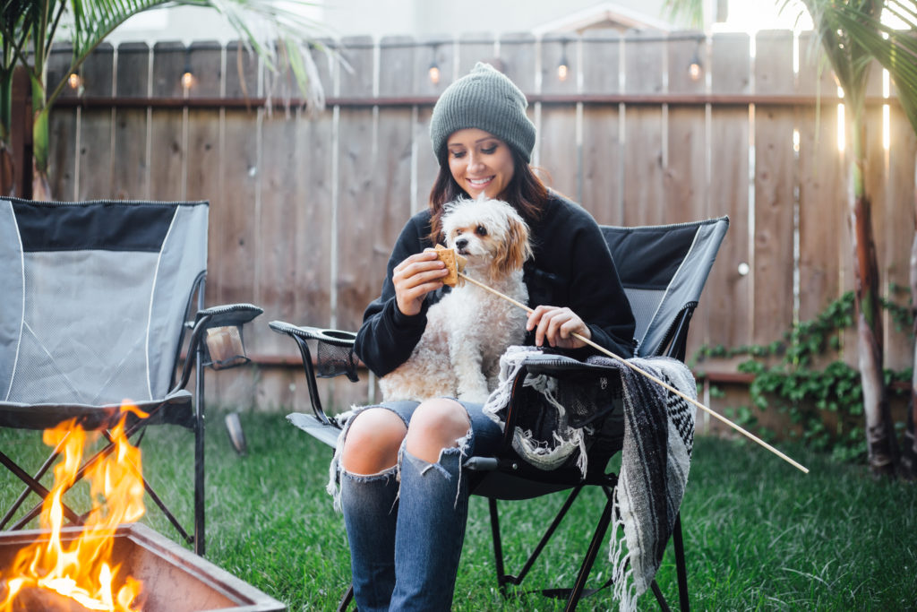 Fashion Blogger Erin Aschow campfire s'mores with dog