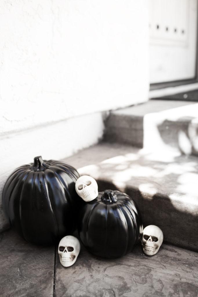 Chic DIY Black Pumpkins