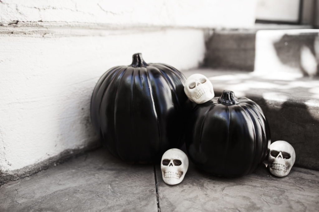 Chic DIY Black Pumpkins