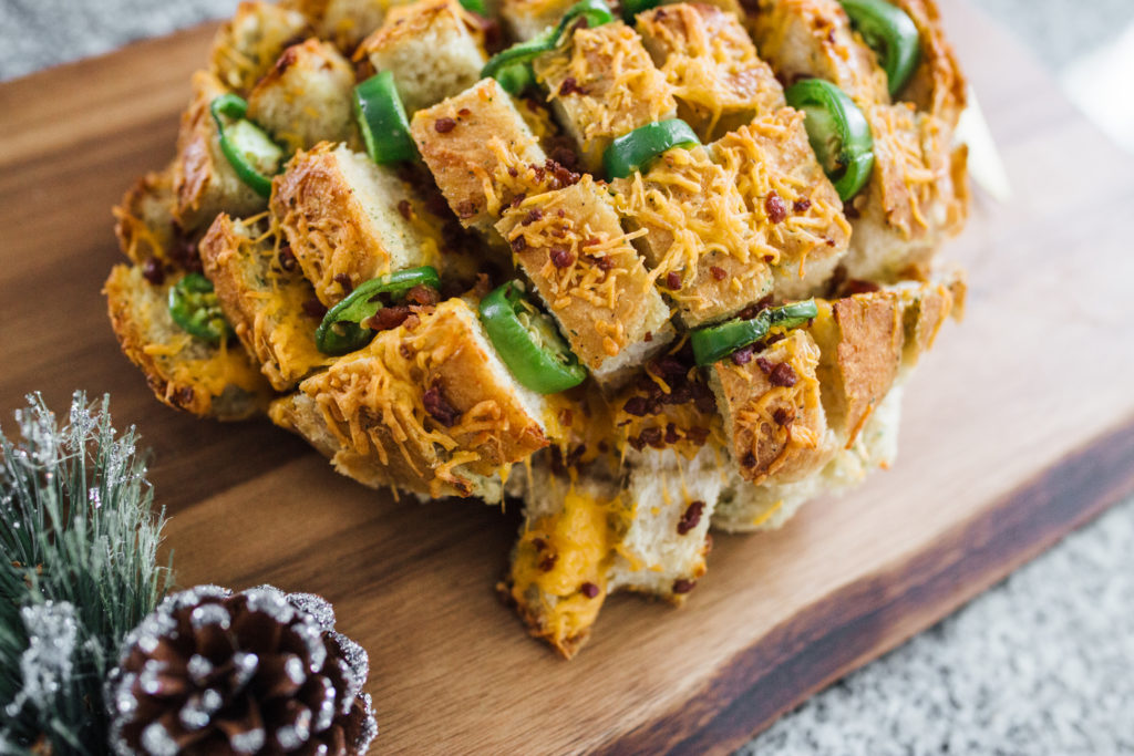 Jalapeno Popper Stuffed Cheesy Pull Apart Crack Bread ...
