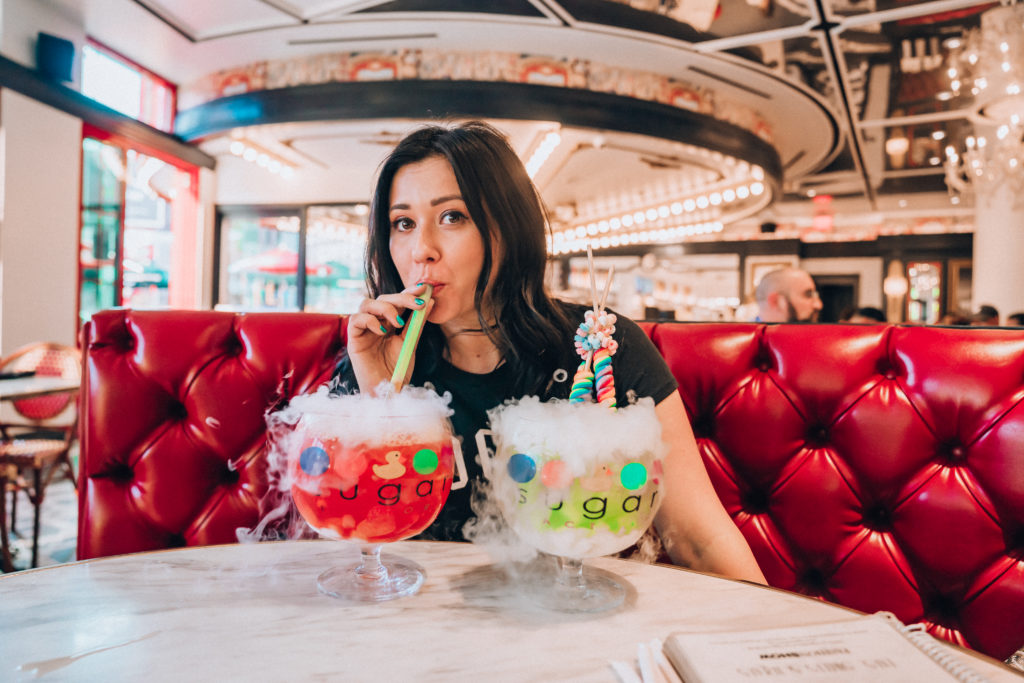 Erin Aschow's Ultimate Travel Guide to Las Vegas - sugar factory crazy goblet cocktails
